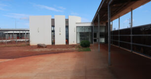 Image of outside of Chapel and Cultural Meeting Place in Eastern Goldfields Regional Prison